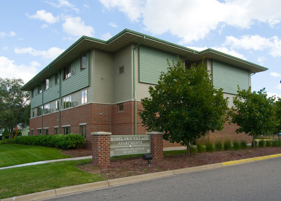 Roselawn-village-apartments-exterior.jpg