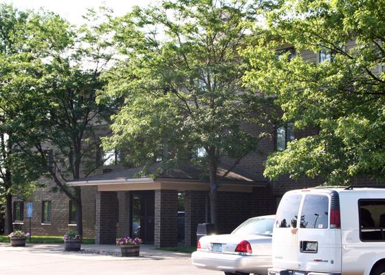 Hillcrest Apartments Exterior