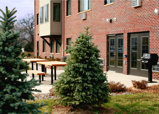 Riverbluff-apartments-patio.jpg
