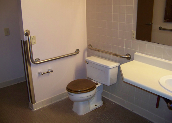 Pesch-Place-Bathroom.jpg