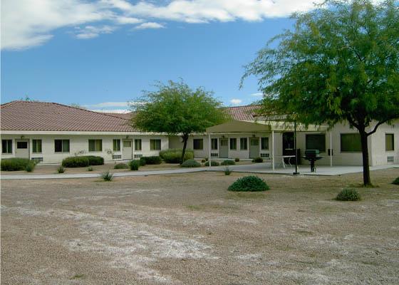 Sandy Robinson Apartments Exterior