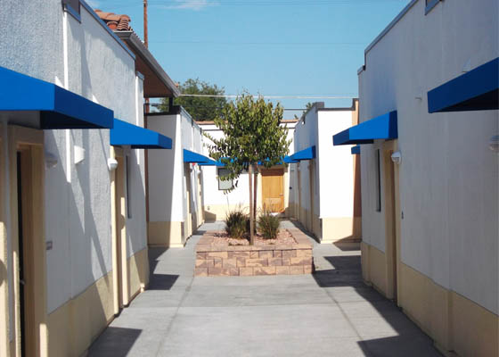 Mojave Cedar Apartments Courtyard