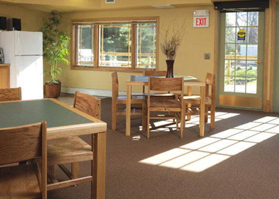 Roselawn-village-apartments-community-room.jpg