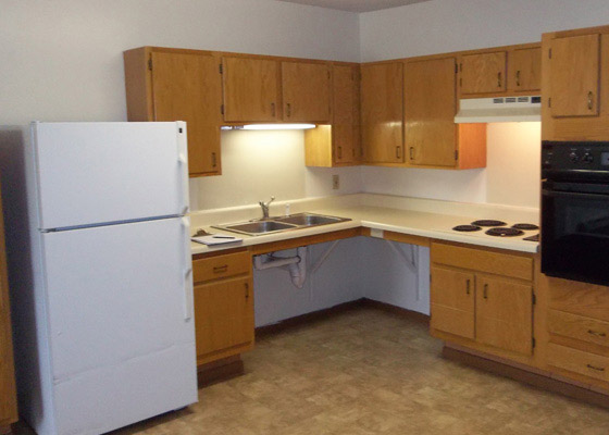 Winston-Courts-Apartments-Accessible-Kitchen.jpg