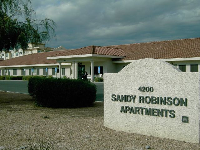Sandy Robinson Apartments Exterior 2